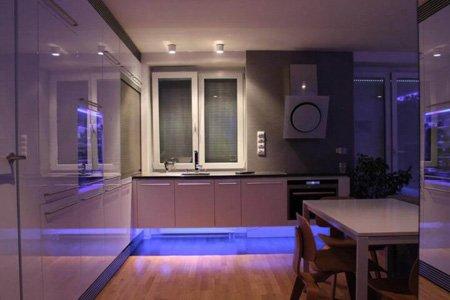 подсветка для кухни под шкафы светодиодная пример 3 фото