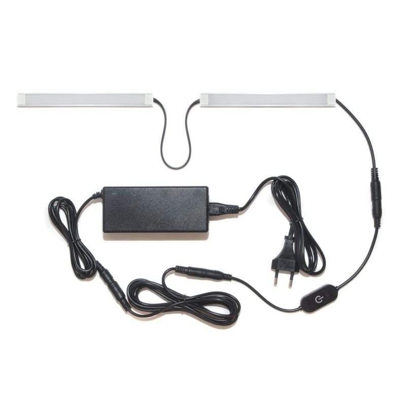 подсветка для прямой кухни с разрывом с сенсорным выключателем лента Lux в профиле фото