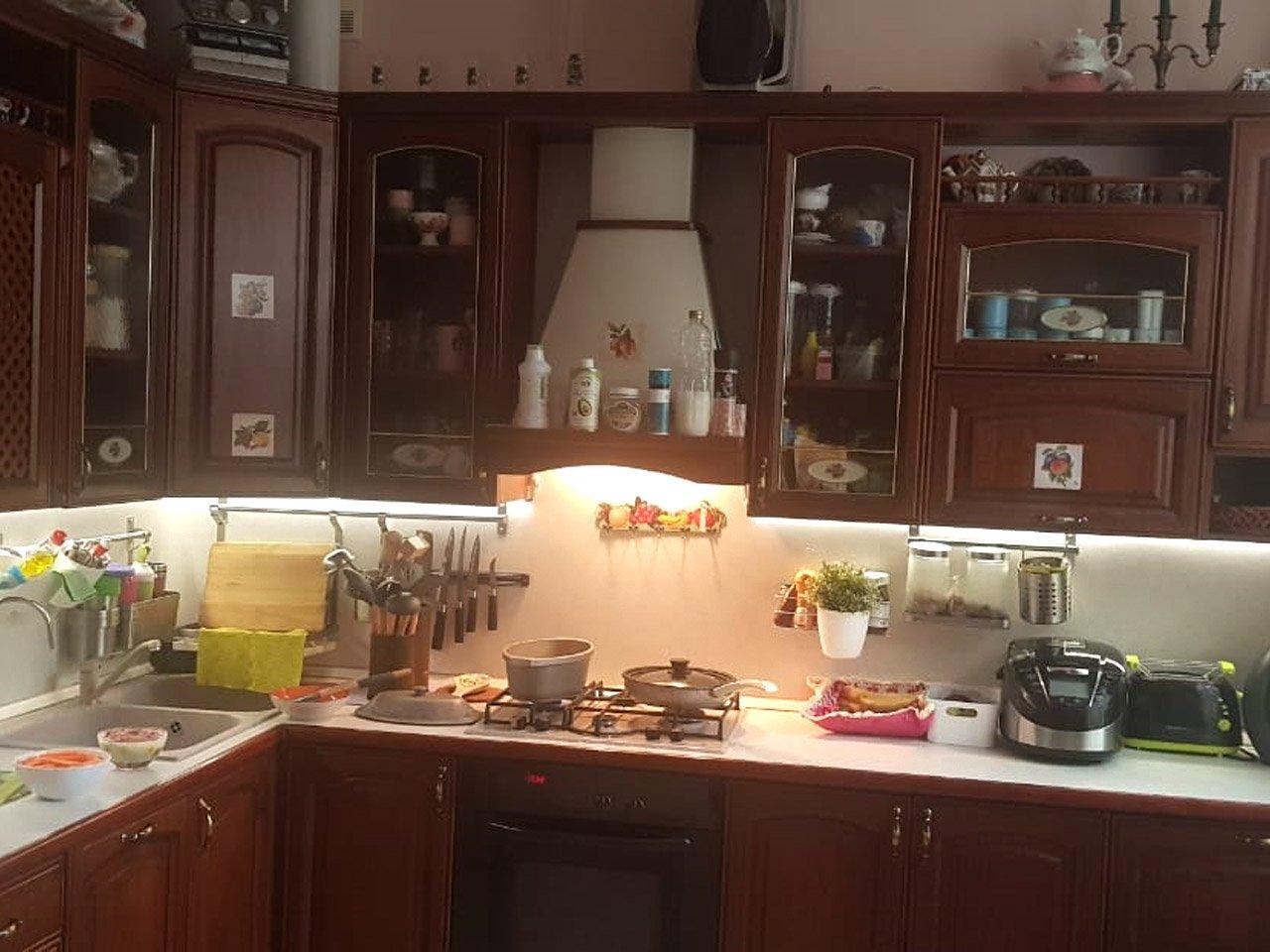 Подсветка угловой кухни с разрывом с пультом отзыв iqlux Владислав 27_04_20 фото