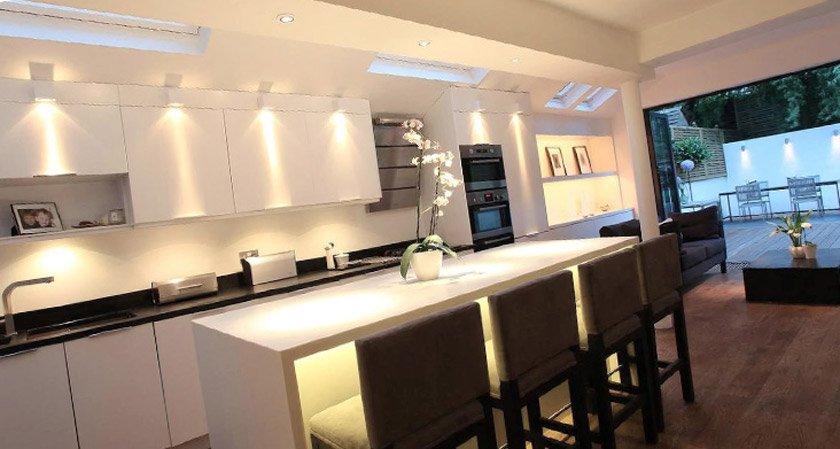 как расположить точечные светильники на кухне фото