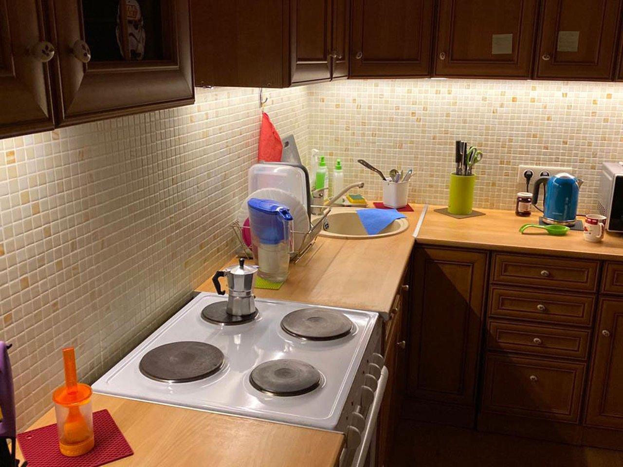 подсветка угловой кухни с разрывом с сенсорным выключателем отзыв iqlux александр 20_05_20 фото