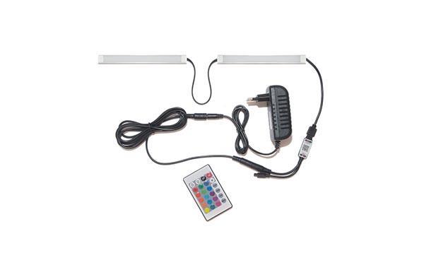 Подсветка для прямой кухни с разрывом с пультом: лента RGB в профиле
